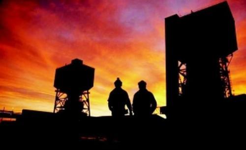 煤炭大省部分群众捡柴过冬 治污与取暖如何平衡?
