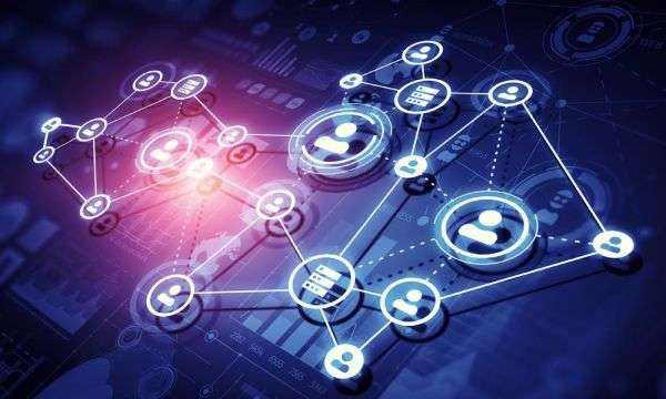 工业革命范式下 电力企业转型能源互联网挑战
