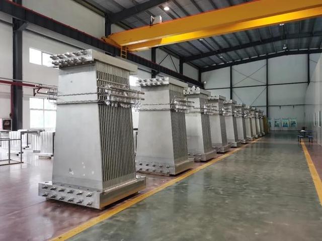"""中国自主研制的""""人造太阳""""重力支撑设备正式启运"""